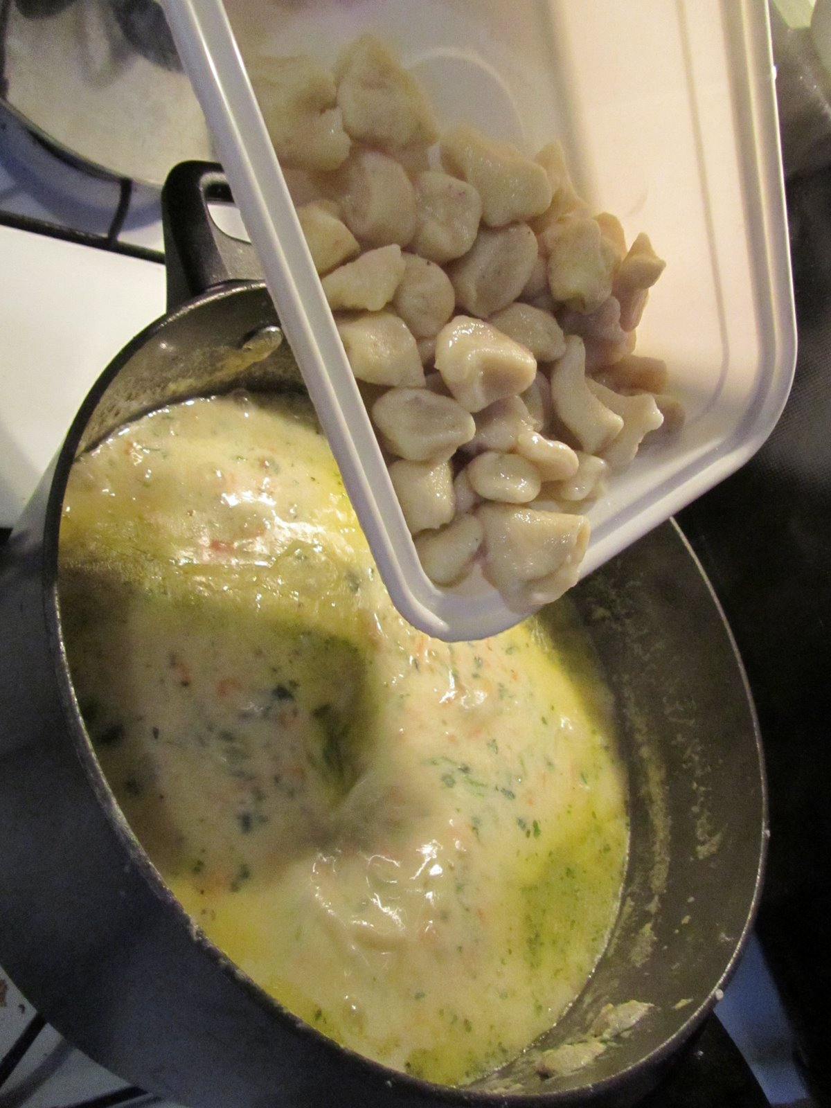 It\'s Yummy to My Tummy: chicken and gnocchi soup
