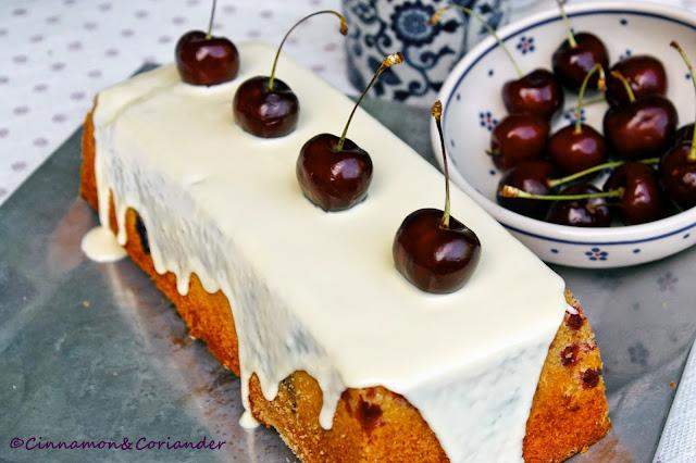 Kirsch Joghurt Kuchen mit weißer Schokolade