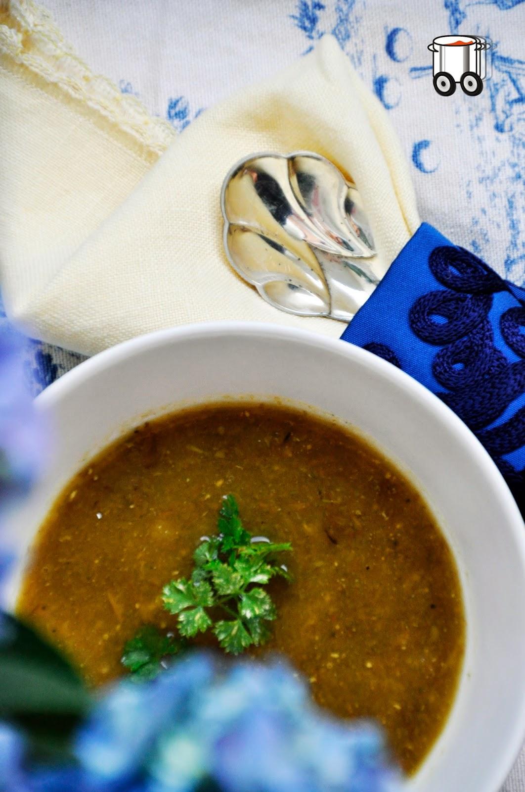 Szybko Tanio Smacznie -Pikantna i słoneczna wegańska zupa