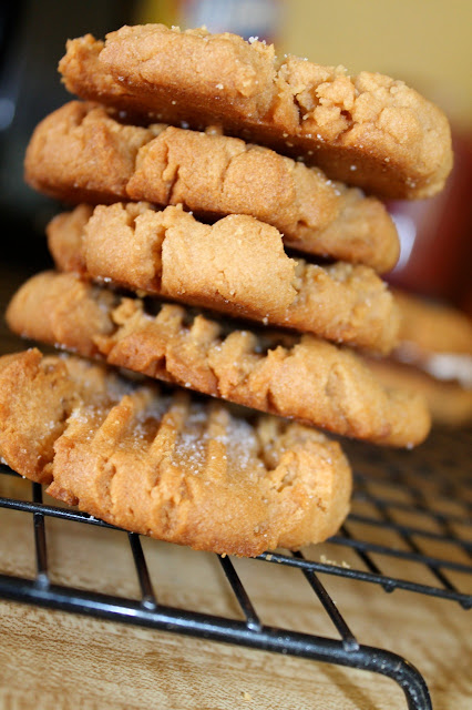 Flour-less Peanut Butter Cookies via The Taste Tester