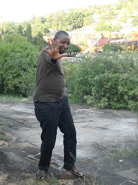 CALVIN mwenyewe. (the blogger himself)