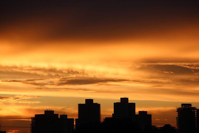 por do sol no Cerrado em Goiânia