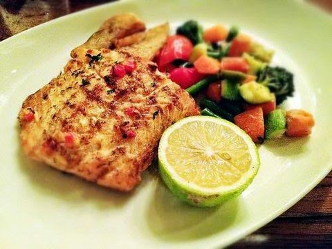 Perfectly grilled salmon with veggies