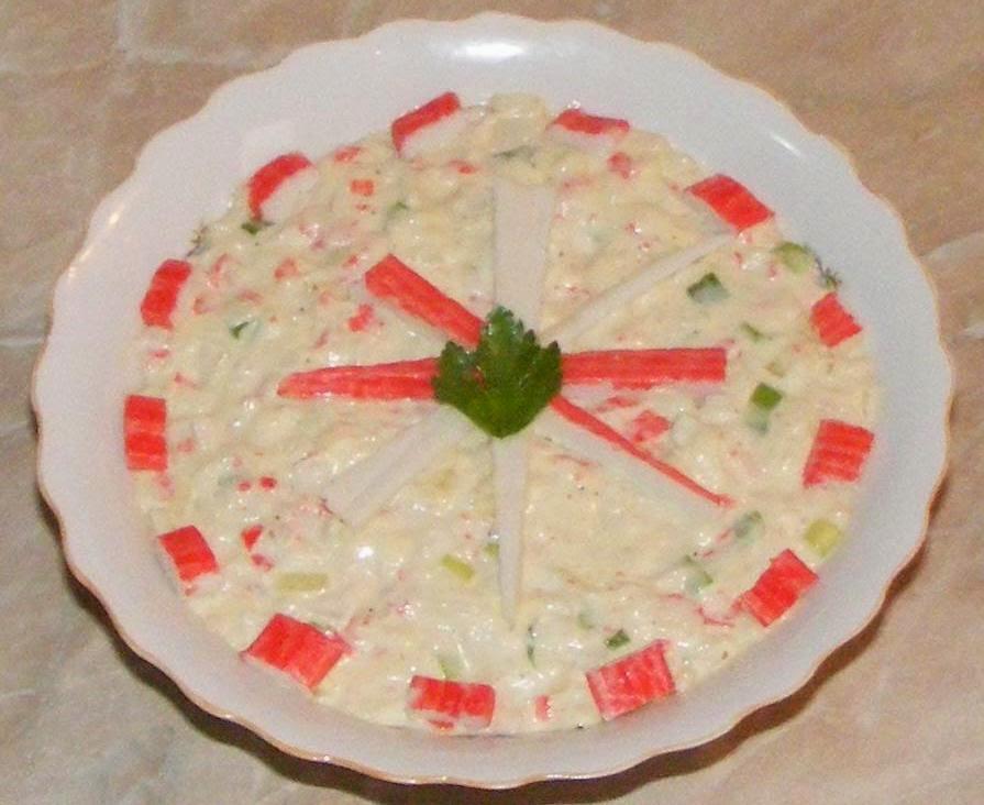 salata de surimi, salata de surimi cu maioneza, retete cu surimi, retete cu maioneza, retete straine, salate, retete salate, reteta salate, salate cu maioneza, salate cu surimi, retete de salate, aperitive si garnituri, mancare japoneza, salata, aperitiv, reteta aperitive,