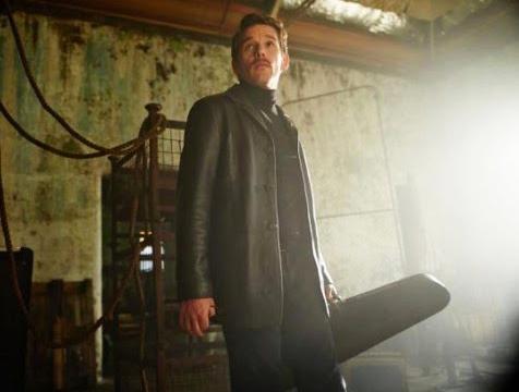 El adulto John (Ethan Hawke) en Predestination - Cine de Escritor