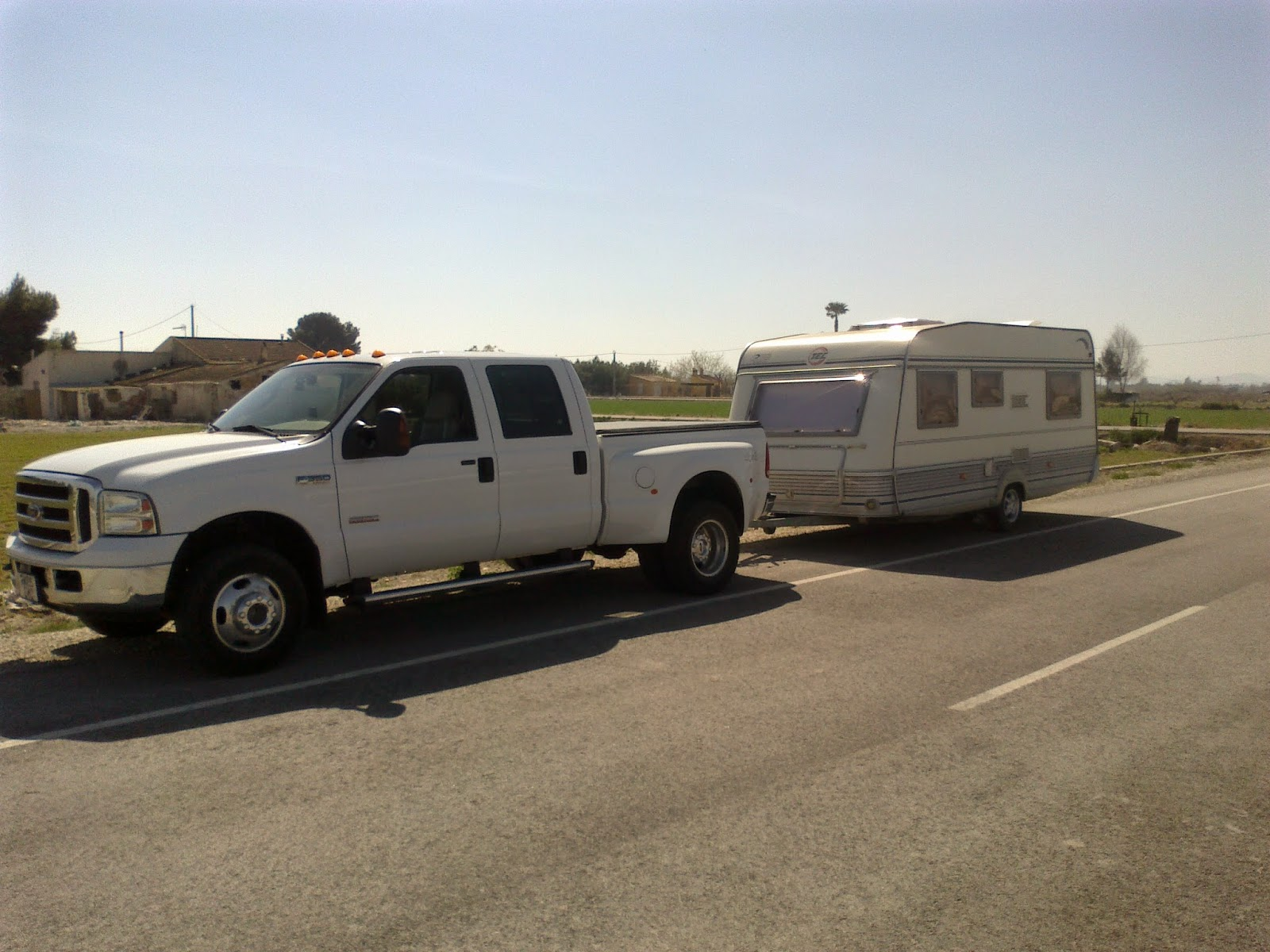 Caravan towing in Spain