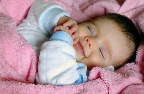 wallpaper baby angel. hot Angel Baby Tapeten,