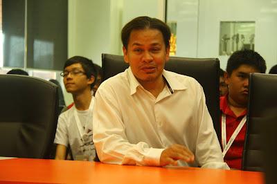 Norman KRU semasa Kem Pembangunan Remaja Kreatif SKMM 2012