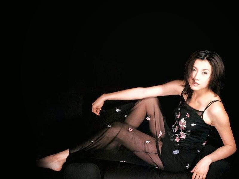 シースルーブラックドレスの藤原紀香
