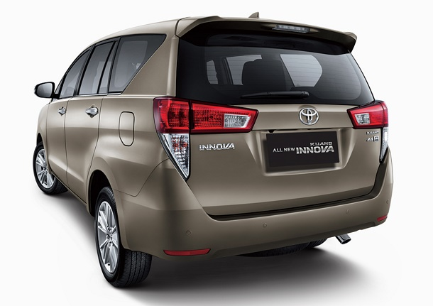 Tampak Bagian Belakang Toyota All New Kijang Innova 2016