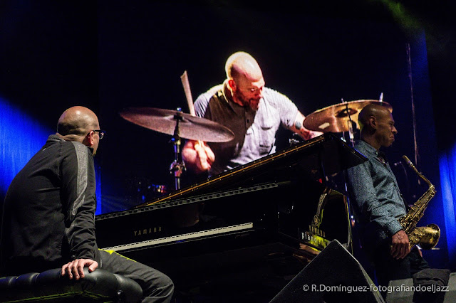 © R.Domínguez - The Bad Plus Joshua Redman