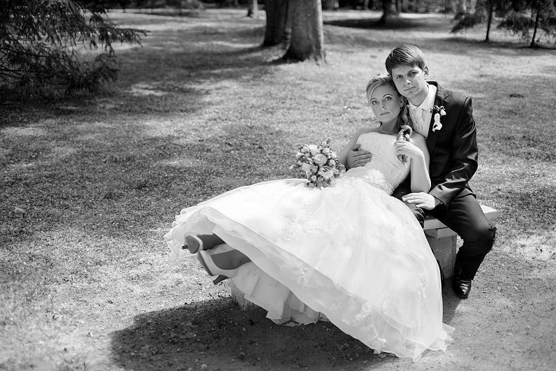 juodai balta vestuvių nuotrauka