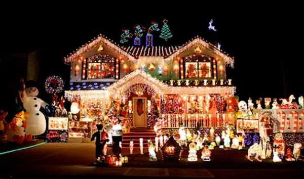 a common problem though is that many people do not have enough electrical plugs - Snoopy Christmas Lights