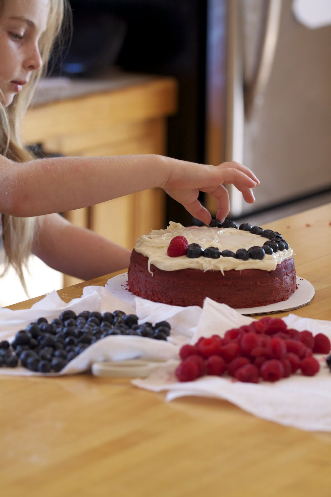 Epicurean Mom: Red Velvet Cake with Raspberries and Blueberries