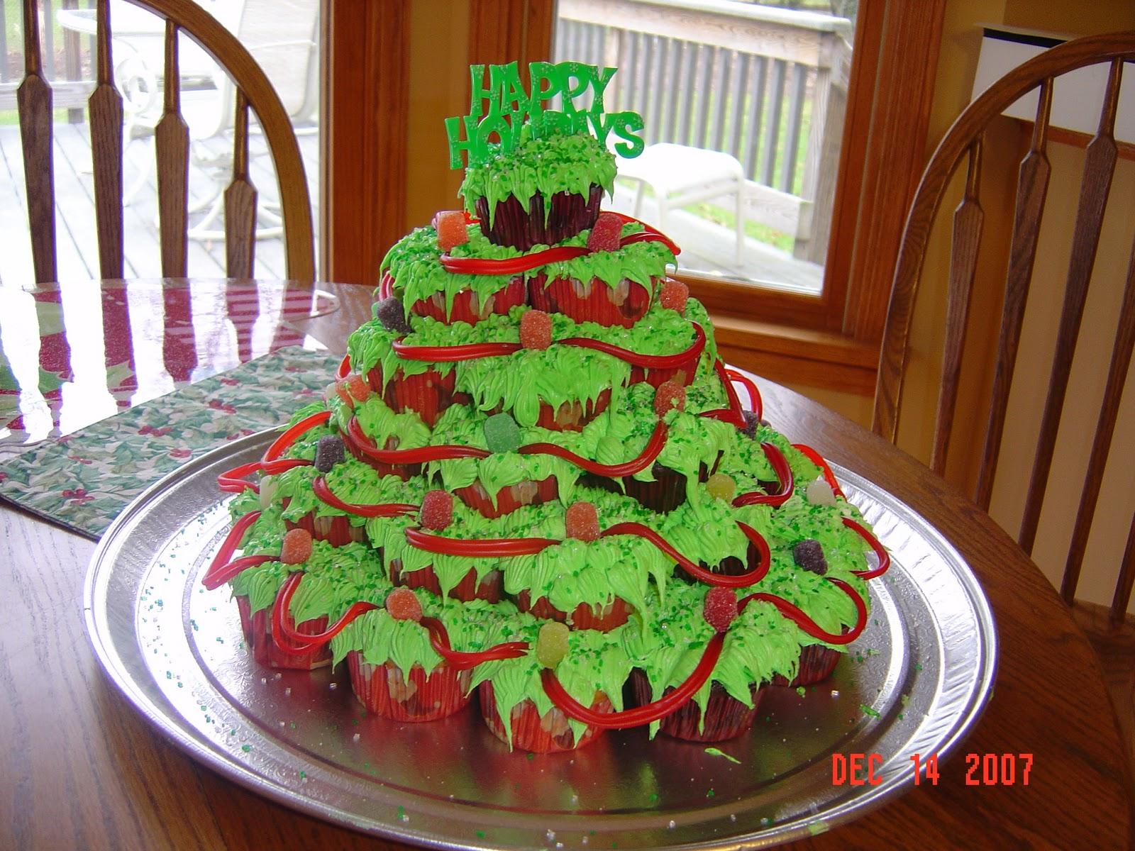 Cake Decorating Christmas Trees : Festivals Pictures: christmas tree cake pictures, latest ...