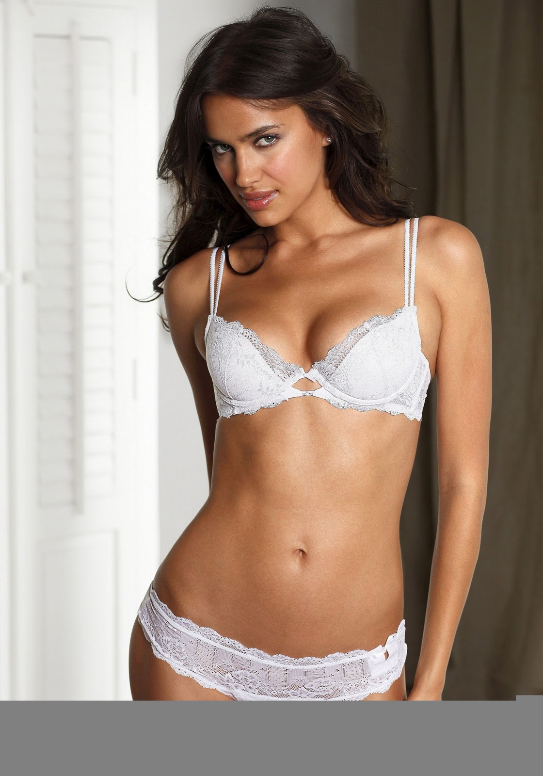 http://3.bp.blogspot.com/-Zfr4x-ioIHc/TxrwYhuC6GI/AAAAAAAACLs/V_mSqGPf9M0/s1600/irina-shayk-lingerie-001.jpg