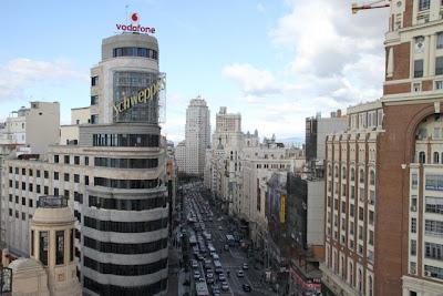 Perspectiva de la Gran Vía madrileña vista desde la plaza de Callao