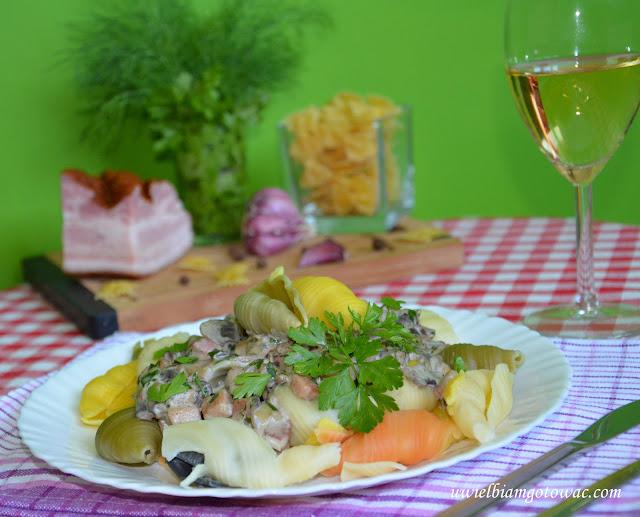 Makaron Boscaiola (Makaron z boczkiem i pieczarkami)