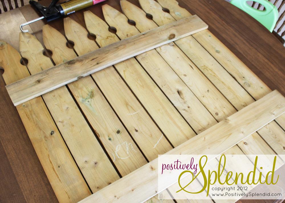 Chalkboard picket fence pallet tutorial positively for Pallet picket fence