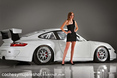 Porsche-911-GT3-super-cars-dress-hd-girls-wallpaper
