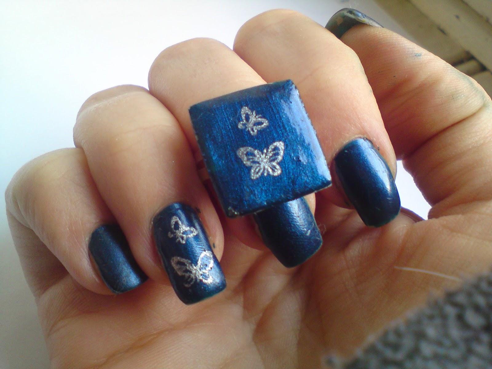 http://lunalithe.blogspot.fr/2012/10/bague-en-gel-uv-papillons-bleus.html