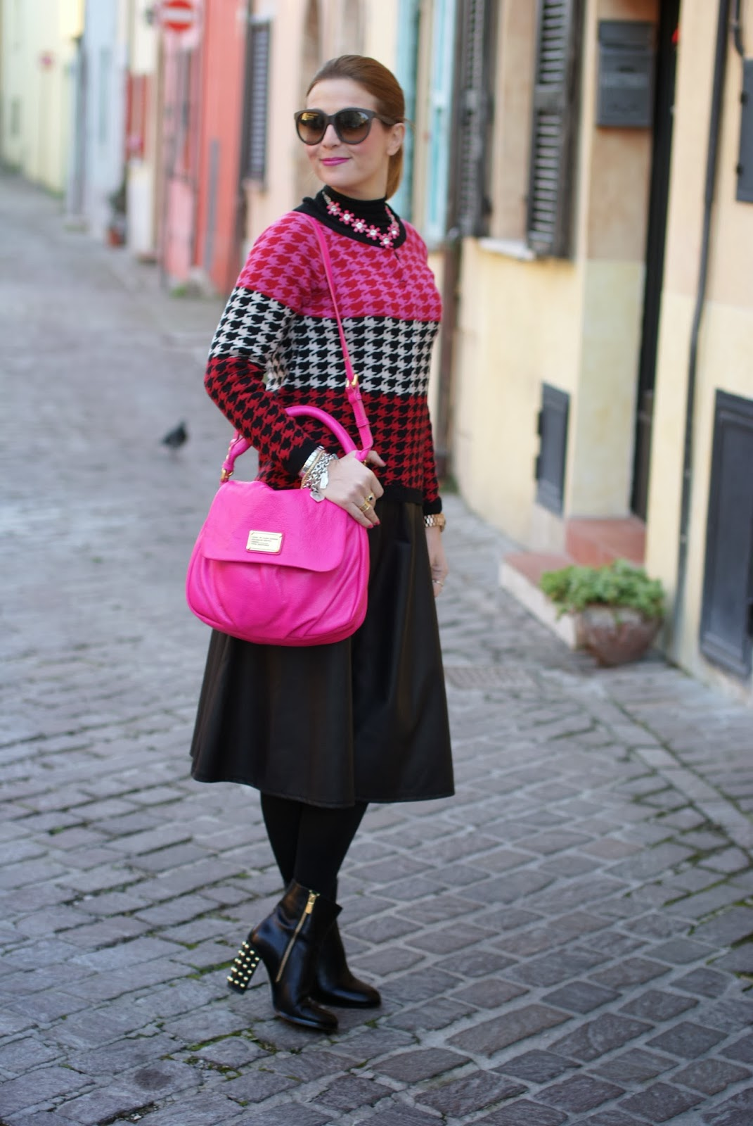 Marc by Marc Jacobs lil ukita pink bag, pied de poule cardigan, michael kors boots, fashion and cookies, fashion blogger