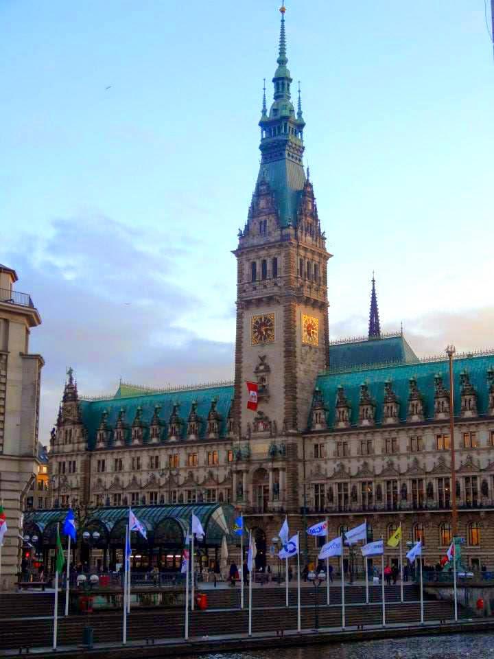 Hamburg Rathaus Townhouse