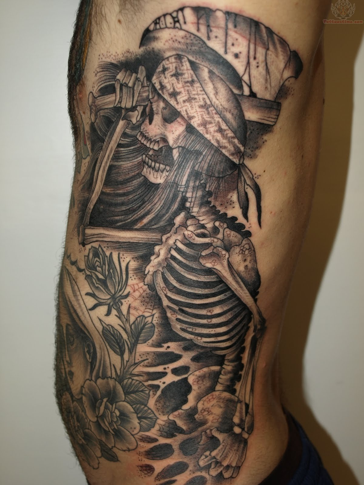 fish skeleton tattoo tattoos facebook. Black Bedroom Furniture Sets. Home Design Ideas