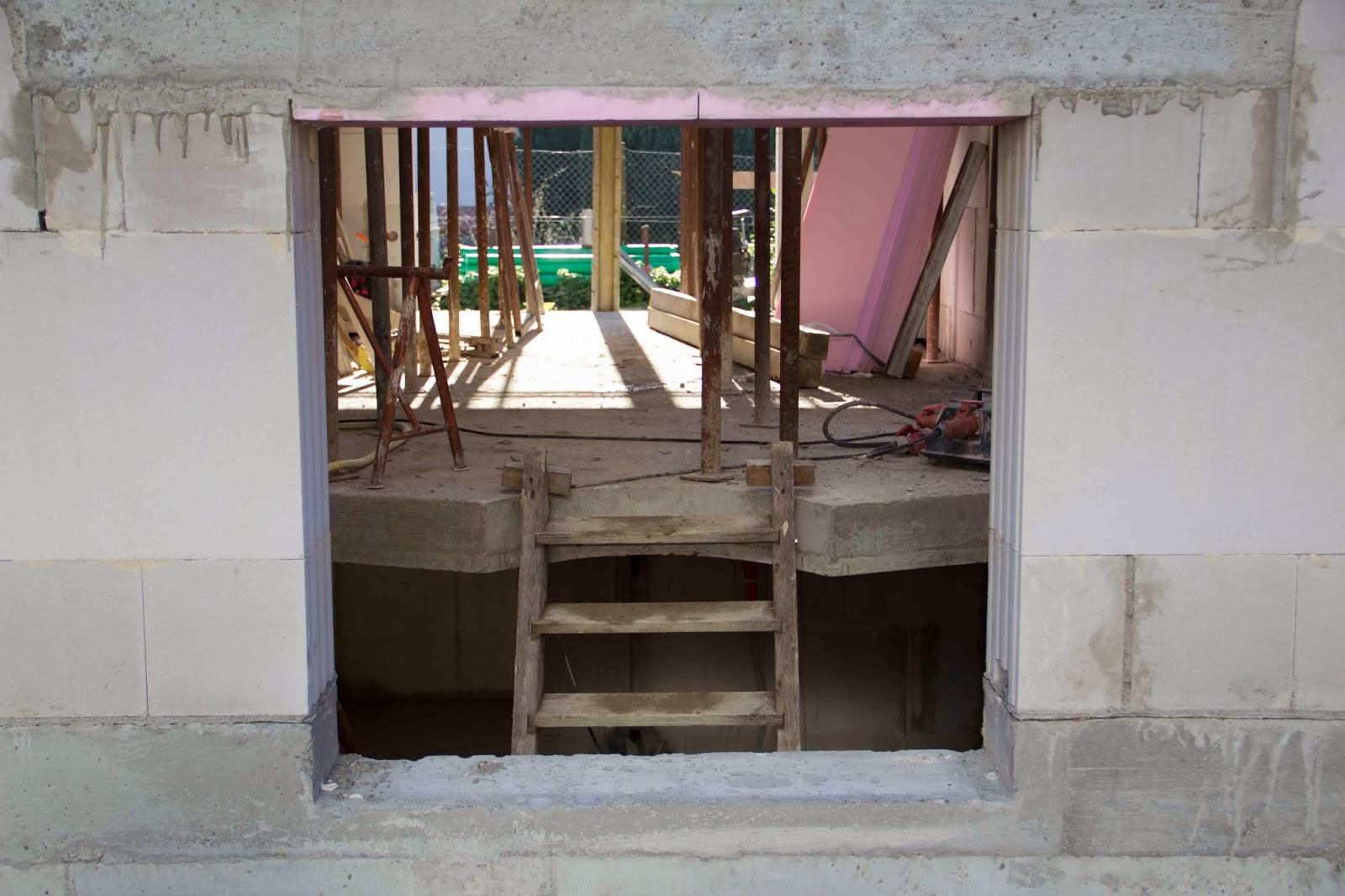 Treppenhaus nach außen verlegen  Flederhaus: Oktober 2013