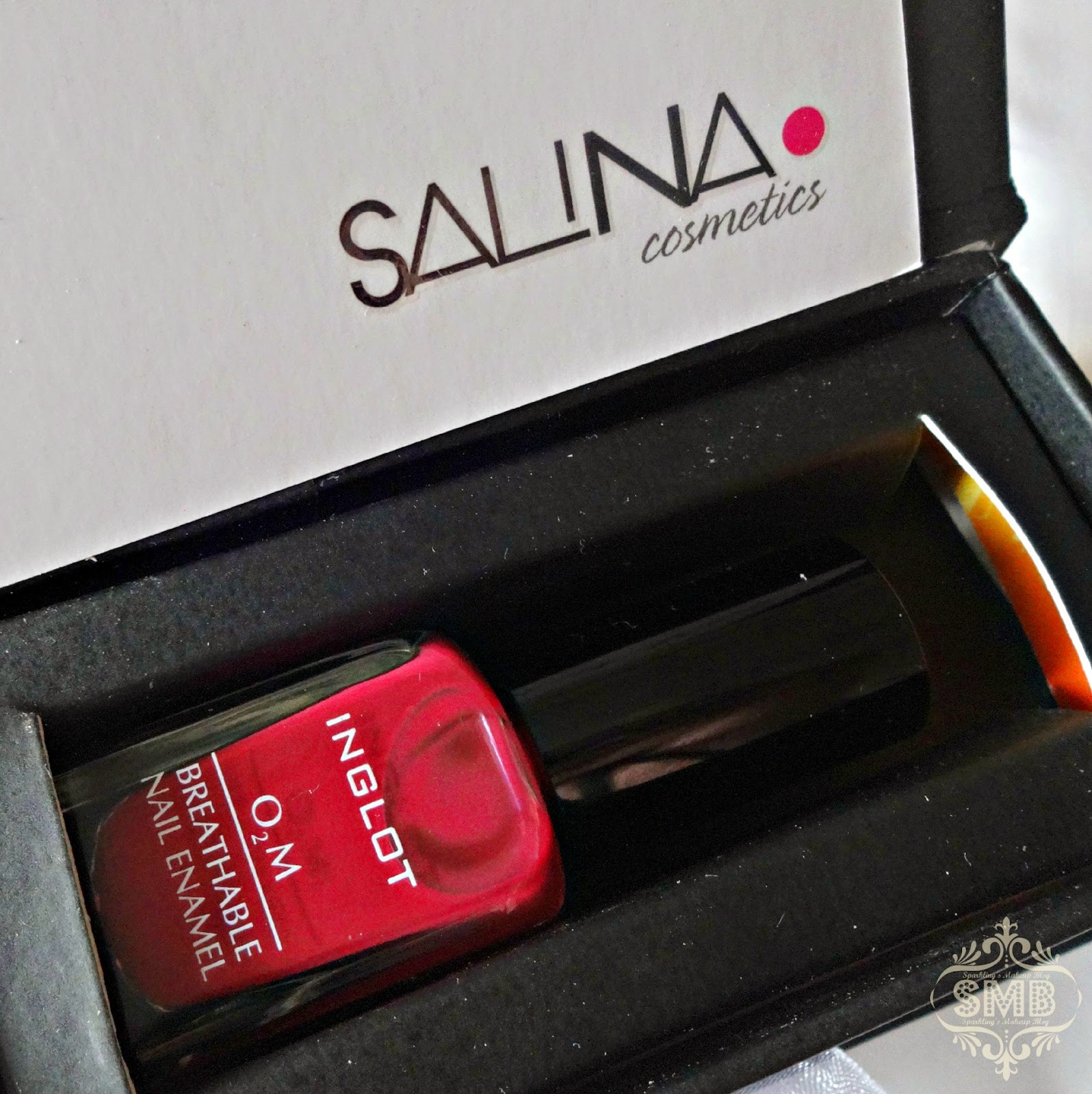 Salina cosmetics Swatch #689 breathable nail polish
