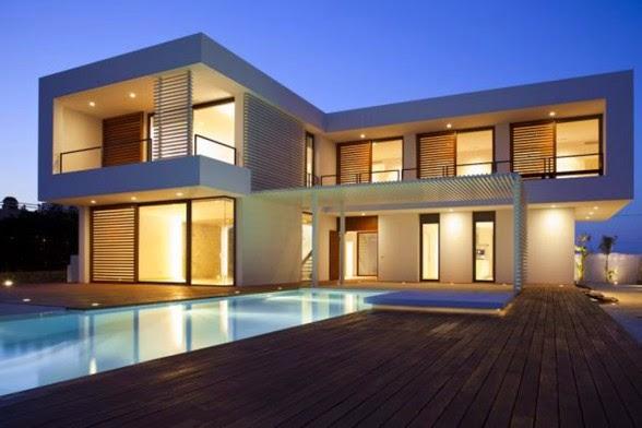 Susasana Malam Desain Rumah Dengan Kolam Renang