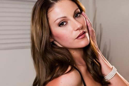 A Look at Amazingly Hot Adult Star Samantha Ryan