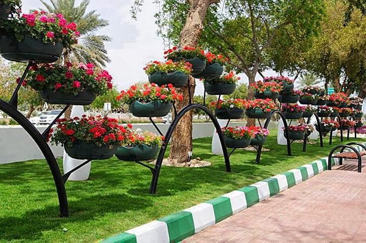 Decoração de jardim com pneus reciclados  Artesanato com Reciclagem