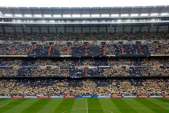 Bernabéu welcome Ballon d'Or winner Cristiano Ronaldo with gold mosaic