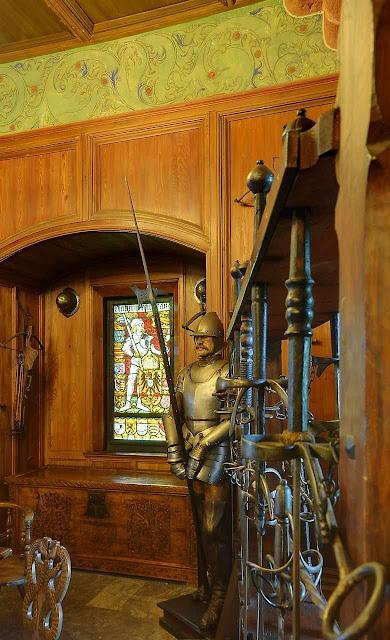 Haut-Kœnigsbourg: sala de armas