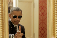 Viral Video of President Barack Obama doing Selfie