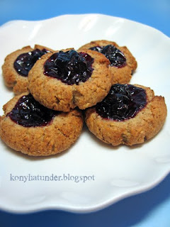 blackcurrant-oatmeal-cookie