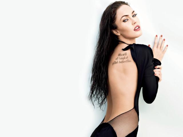 Меган Фокс со спины видна татуировка