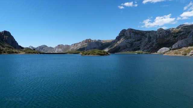 Lago del Valle - Parque Natural de Somiedo