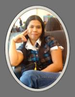 KLo ini mba anisa, orangnya cantik, ahli puisi, setiap komennya selalu bernada, menggambarkan kehidupannya yang selalu bergembira, adapun blognya di penuhi dengan puisi.  ini blognya :http://anisayu.blogspot.com/