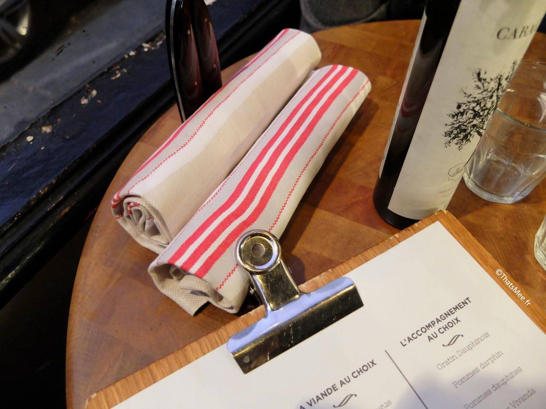 table et serviettes Restaurant Atelier Vivanda Akrame Paris spécialités viandes