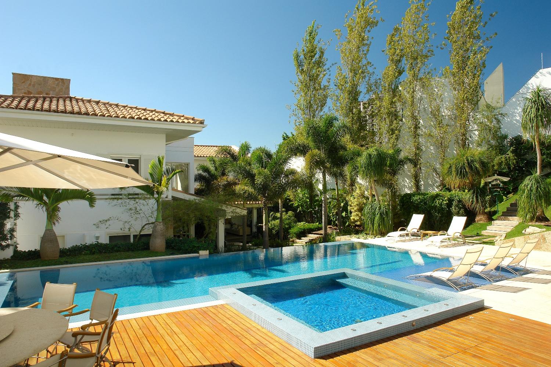 Cafu criativo boas ideias paisagismo design de marcelo for Plantas para piscinas