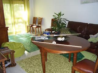 Sala de estar transformada num estaleiro de obras