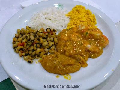 Restaurante Ki-Mukeka: Prato com Bobó de Camarão e Acompanhamentos