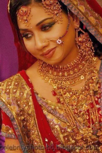 Beautiful+BANGLADESHI+BRIDE+WITH+GORGEOUS+MAKE UP+Photos+Collection006
