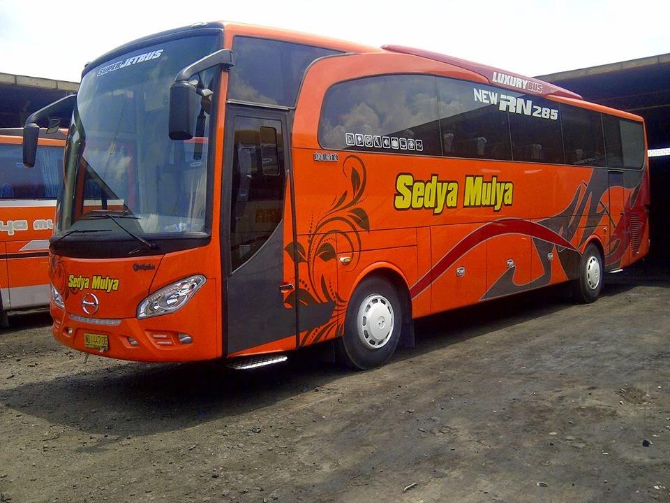 Gambar Super Jetbus Sedya Mulya Hino RN 285