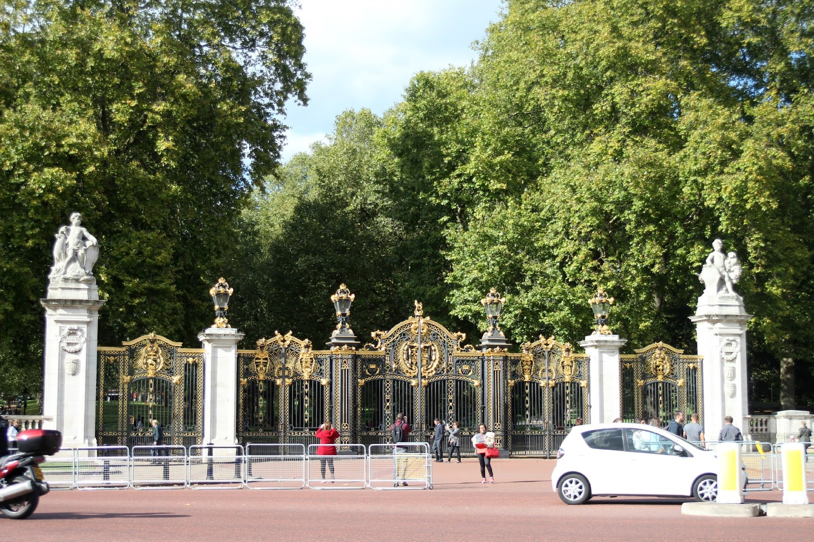 Buckingham Palace The Royal Mews Grateful Prayer Thankful Heart