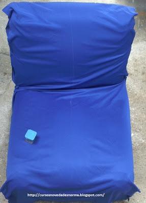 Vista superior del sofá con la tela ajustada