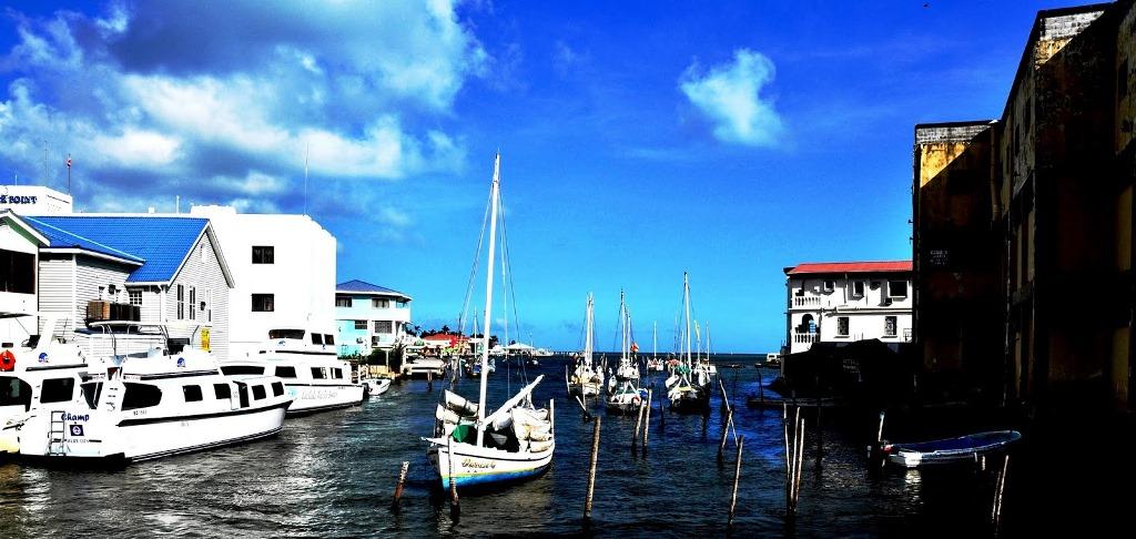 Belize city o puerto Baliz... pobre pero hermosa.