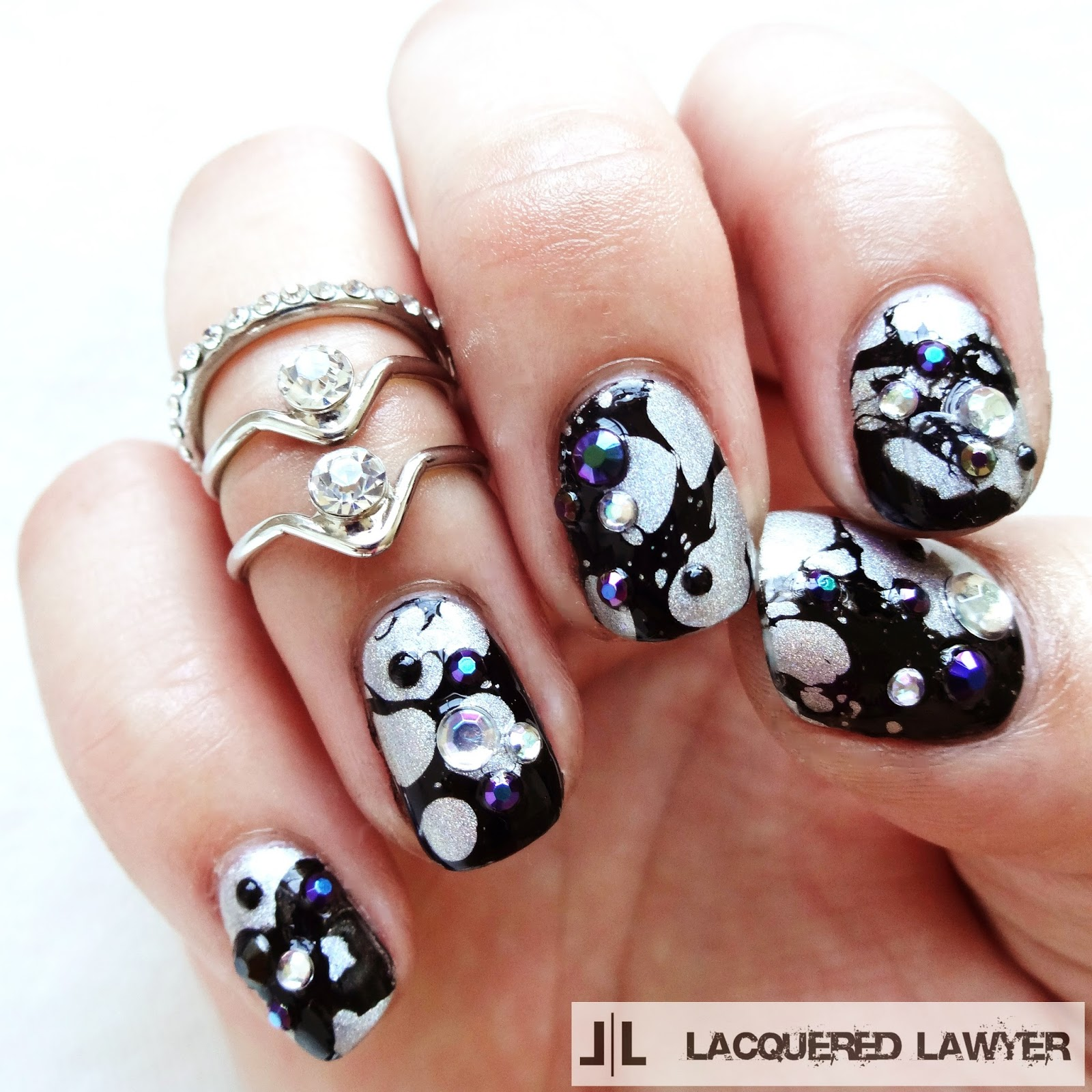 Holoe Water Spotting Nail Art